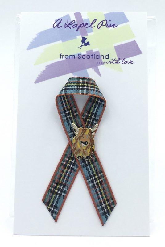 Small Highland Coo Lapel Pin